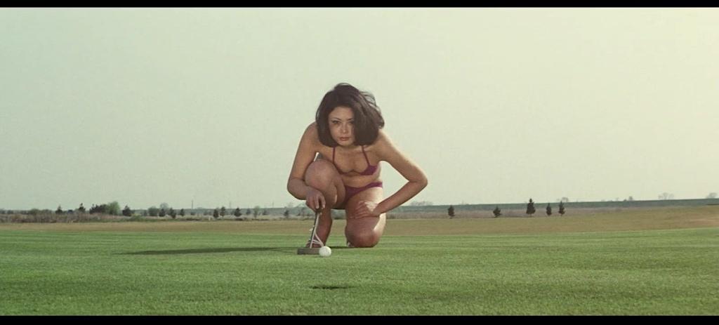 Yoko Shiraki bikini golf